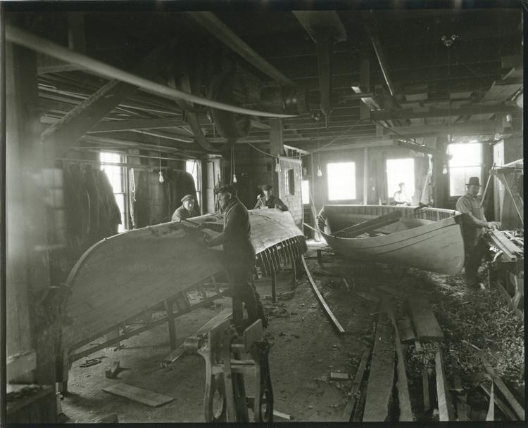 Tirrell & Martin M-304, Pierce & Kilborne, Fairhaven 1920